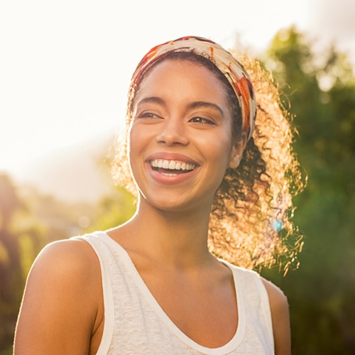 portrait-beautiful-african-american-woman-smiling